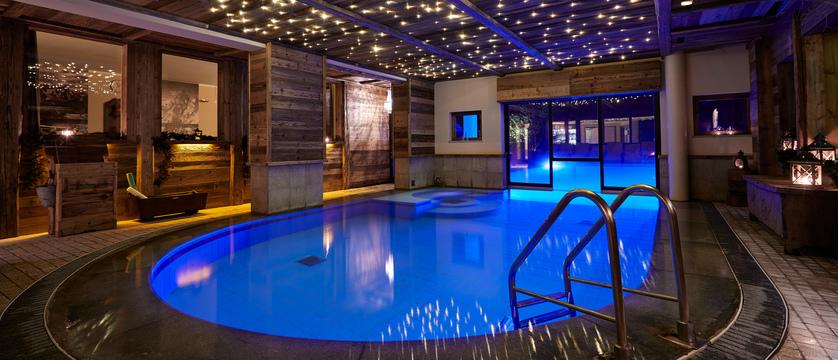 italy_courmayeur_hotel-gran-baita_pool.jpg